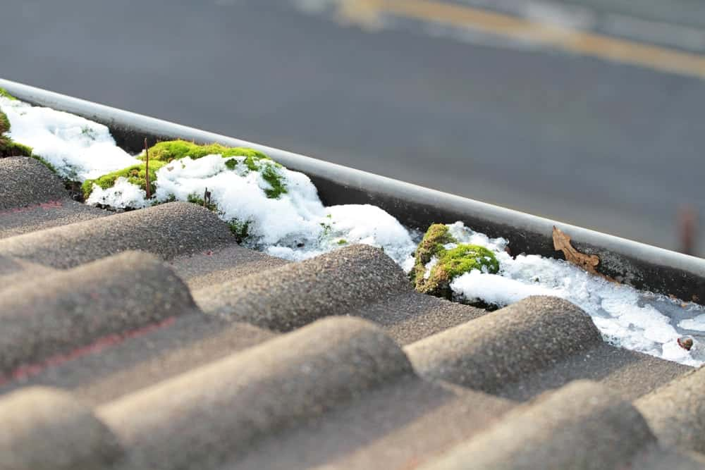 benefit of cleaning the gutters